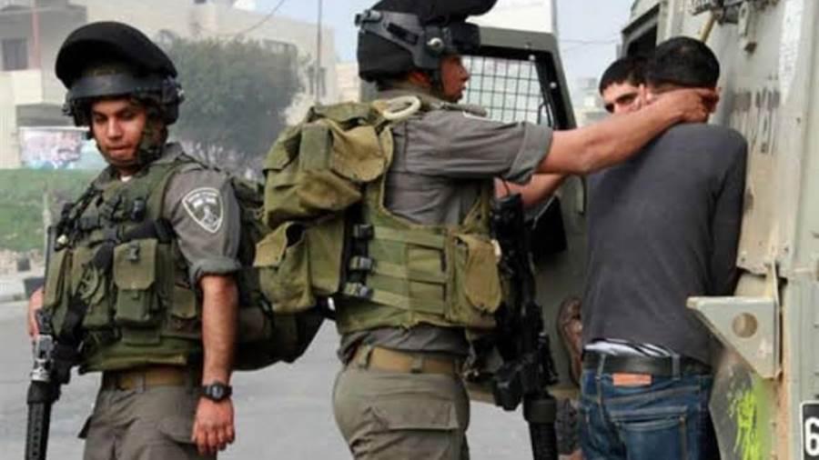 قوات الاحتلال الإسرائيلي تغلق حي الشيخ جراح بالحواجز الإسمنتية